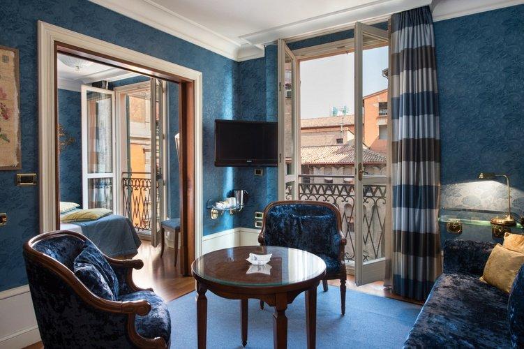 Balkon  art hotel orologio bologna