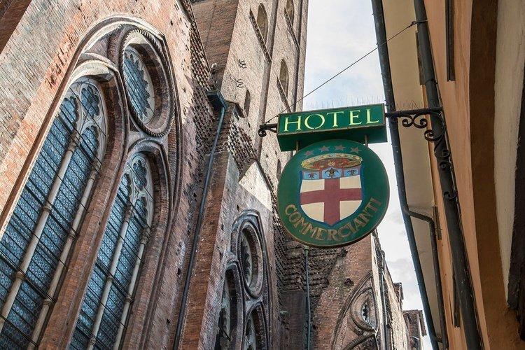 Fassade  art hotel commercianti bologna