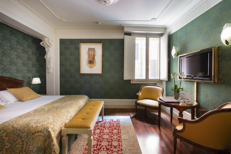 Doppelzimmer  art hotel orologio bologna