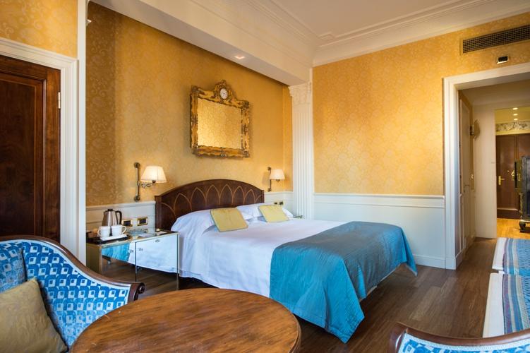 Luxuszimmer  art hotel orologio bologna