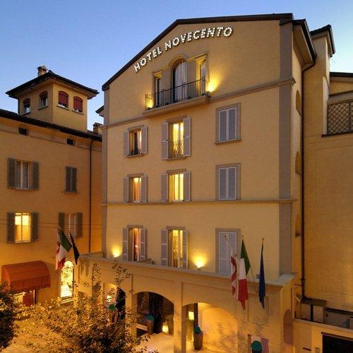 Fassade  Art Hotel Novecento Bologna, Italia