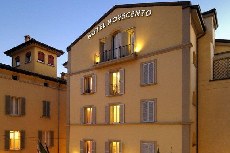Fassade  art hotel novecento bologna