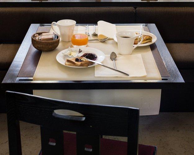 Frühstücksbüffet  Art Hotel Novecento Bologna, Italia