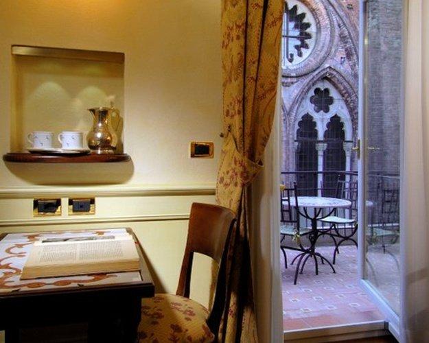 Premium-doppelzimmer art hotel commercianti bologna