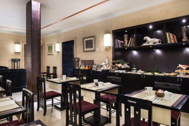 Frühstücksbüffet  art hotel novecento bologna