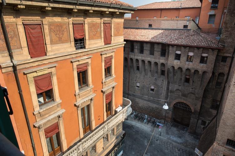 Panoramablick  art hotel orologio bologna